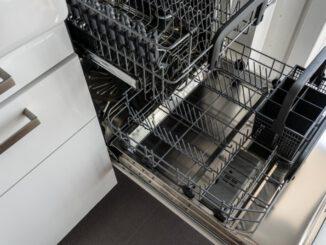 lavastoviglie-hotpoint-ariston-spie-lampeggianti