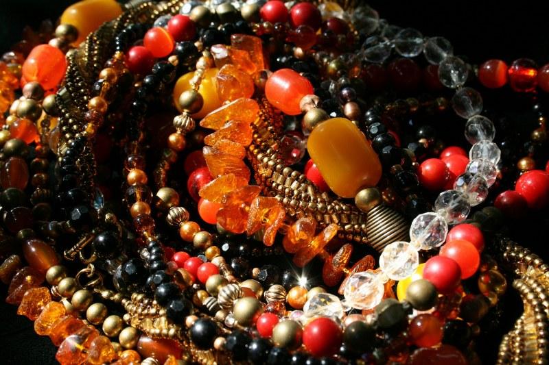 La collana di ambra: quali sono i benefici per tuttie per i bimbi