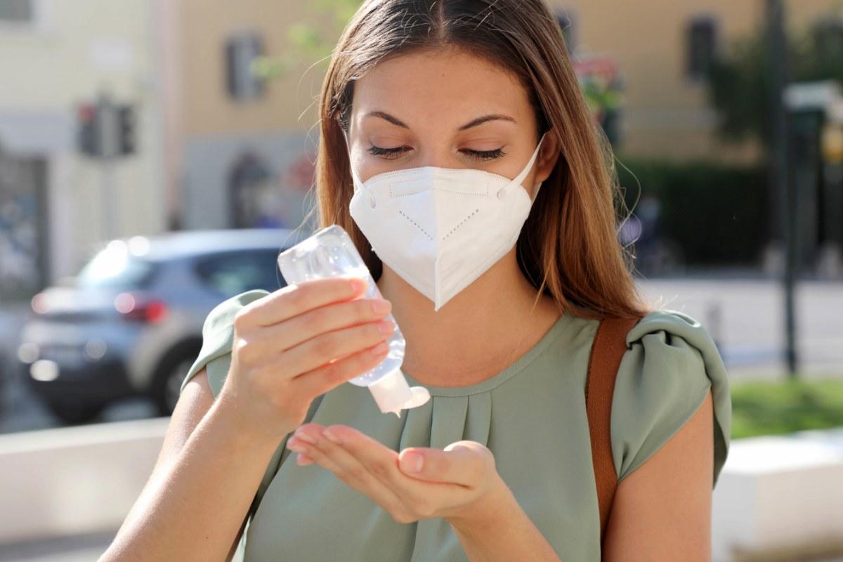 L'importanza di igienizzare le mani durante una pandemia