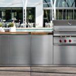 Design in giardino: scoppia in Italia la moda delle cucine da esterno