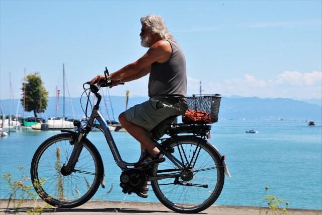 Guida alle bici elettriche da città, tipi e caratteristiche. Come scegliere il modello giusto